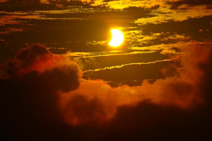 SolarEclipse - 1 (2)